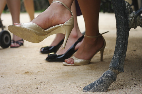 Three reasons a spray tan is perfect for girls who love wearing heels