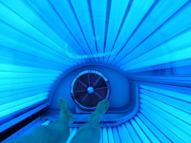 Bottle or bed? 3 reasons spray tanning is healthier than sun exposure