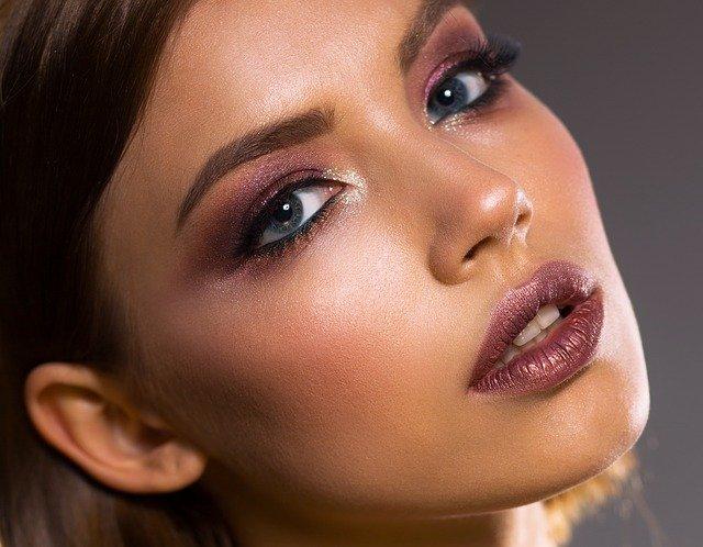How to create the perfect contour using fake tan